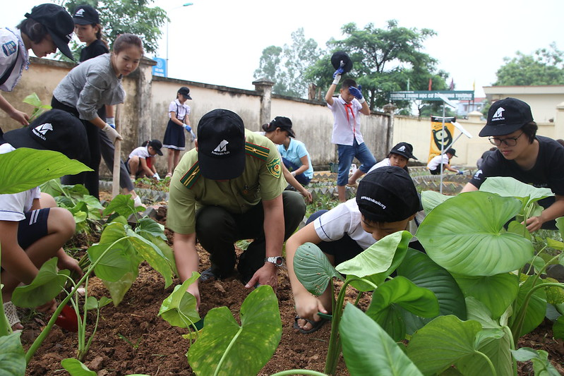 FPD and pupils plant together 1