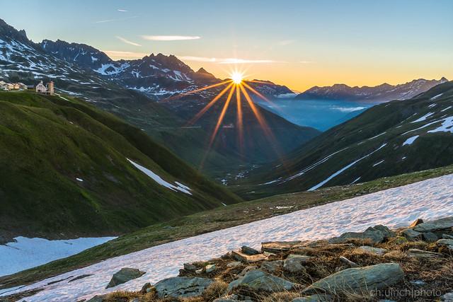 Sonnenaufgang auf dem Furkapass