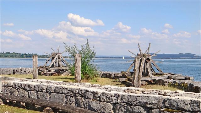 La Tène vue du débarcadère du Laténium sur le lac de Neuchâtel (Suisse)