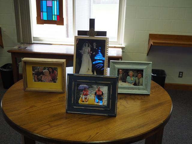 R5285187 Aunt Ruth memorial photos