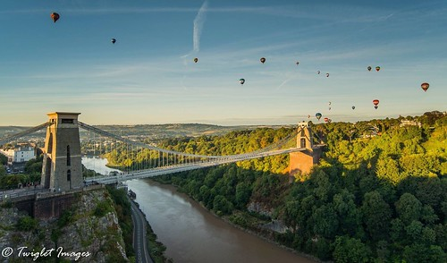 shapedballoons balloons airballoon hotairballoons isambard sunrise sky brunel kingdom bridge suspension clifton august festival international bristol fiesta balloon nikon