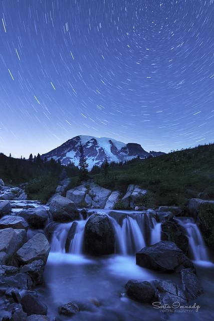 Star trails over Mt Rainier. (Mt Rainier NP, Paradise)
