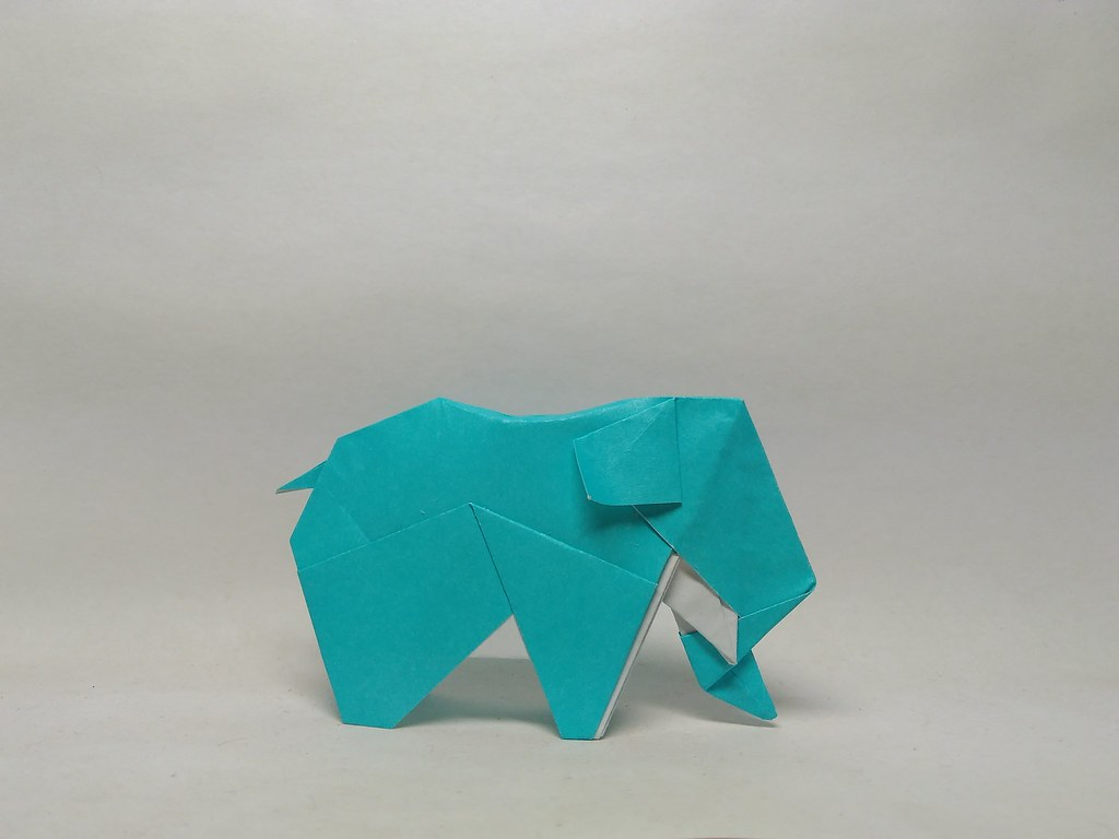 Elephant by 212moving
