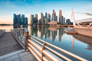 Singapore city skyline at the Marina bay during sunrise | by Patrick Foto ;)