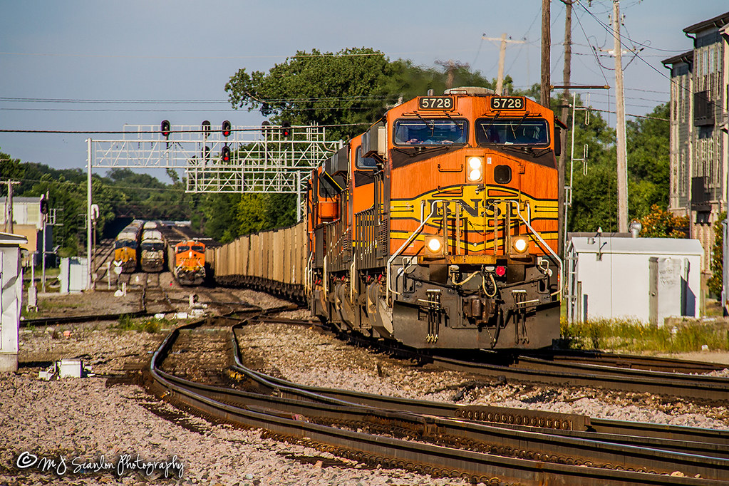 BNSF 5728 | GE ES44AC | BNSF Thayer South Subdivision | Flickr