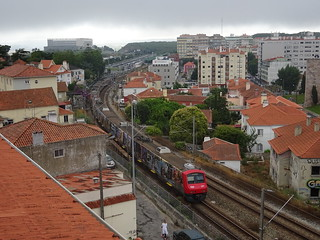 Local train between Portela de Sintra and Sintra | by Zugführer