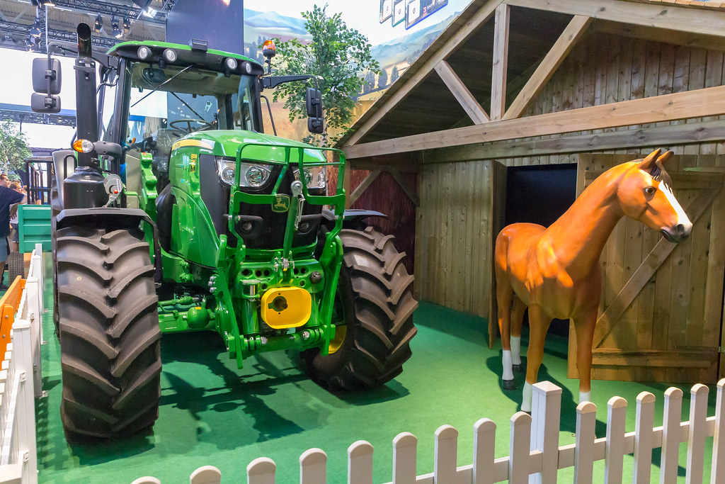 Farm tractor and horse at Farming Simulator 19 booth | Flickr