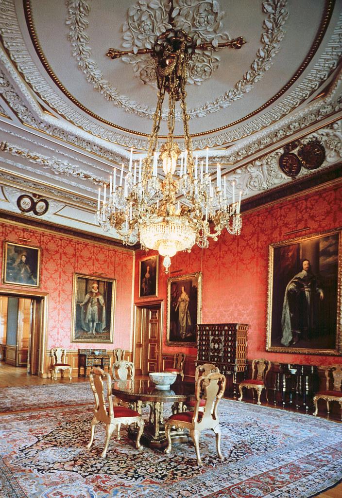 Castle Drawing Room: Queen's Drawing Room Windsor Castle