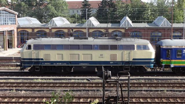1978 dieselhydraulische Streckenlokomotive 218 490-4 DB-Baureihe 218 von Maschinenfabrik Kiel (MAK) Werk-Nr. 2000121 auf Ostbahn/Wriezener Bahn in 10315 Berlin-Rummelsburg