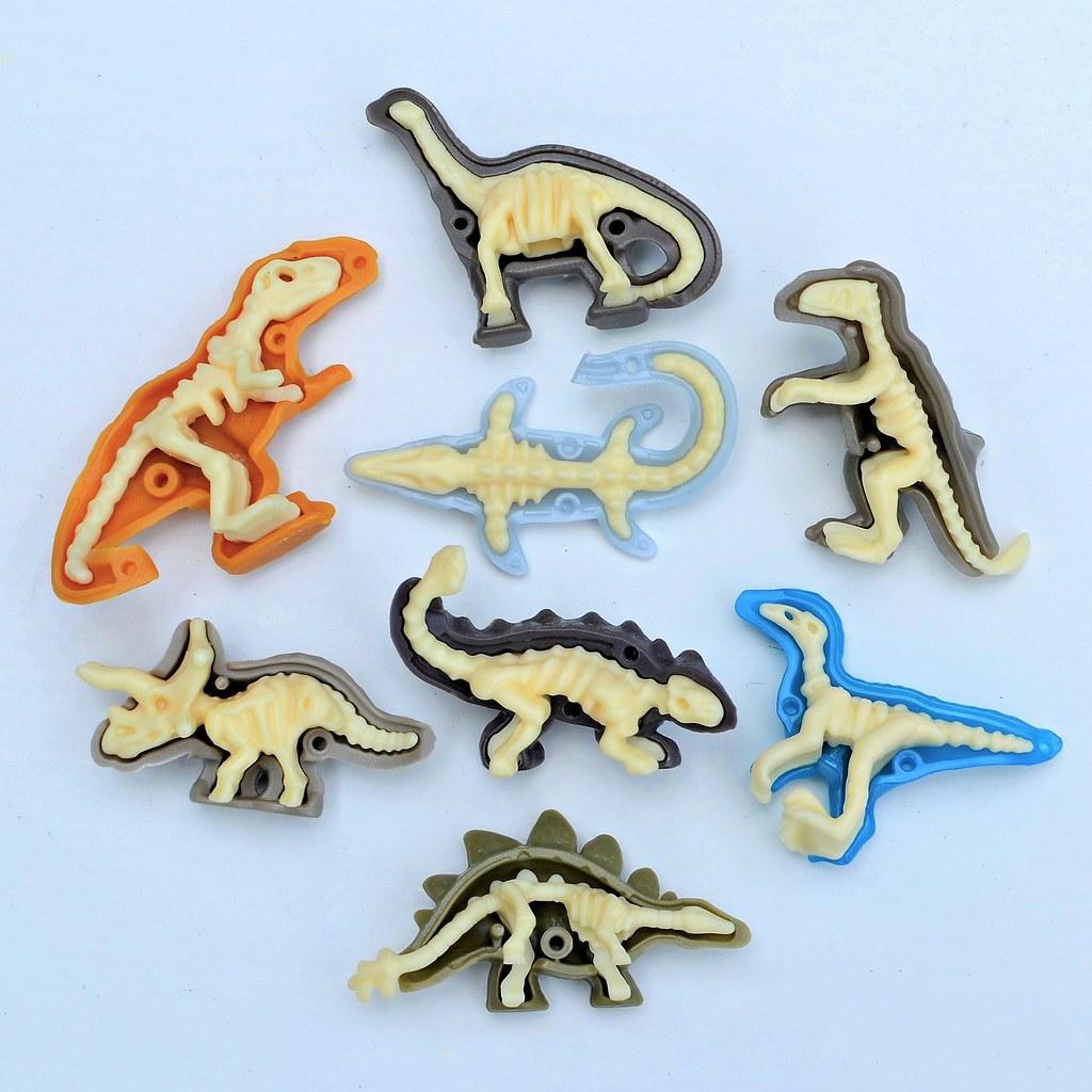 Kinder Joy Jurassic World toys 04 | LittleWeirdos net | Flickr