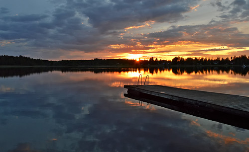 Sunset on the lake Päijänne. Sysmä, Finland. Summer 2018. | by L.Lahtinen (nature photography)