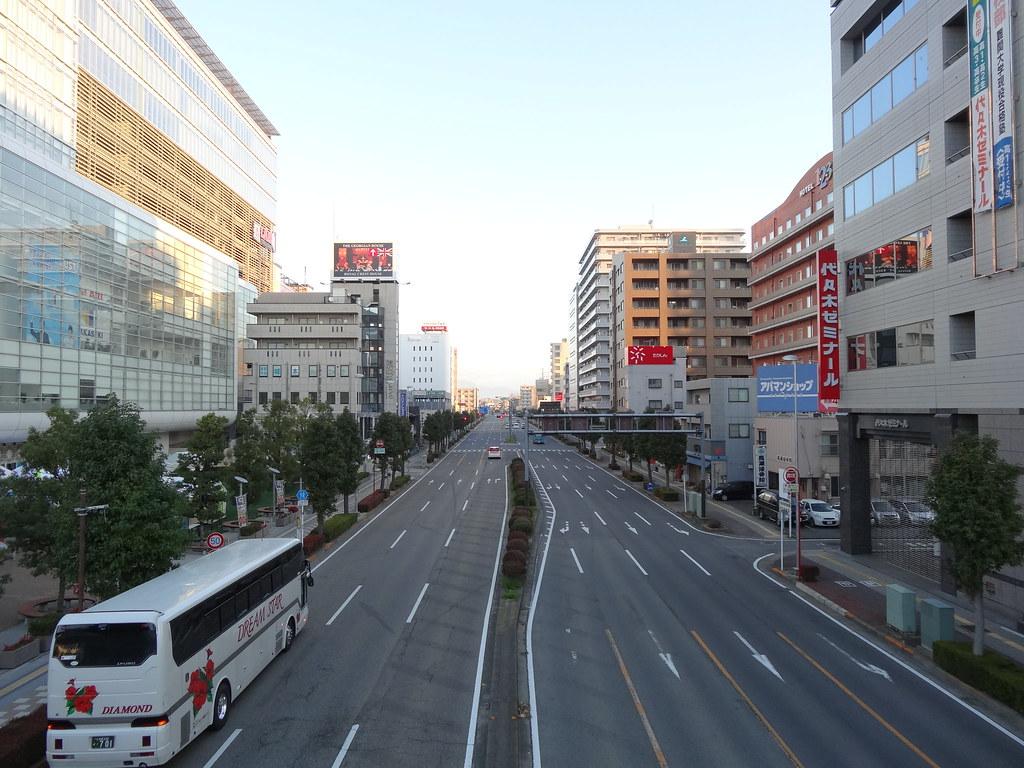 東口駅前北方向