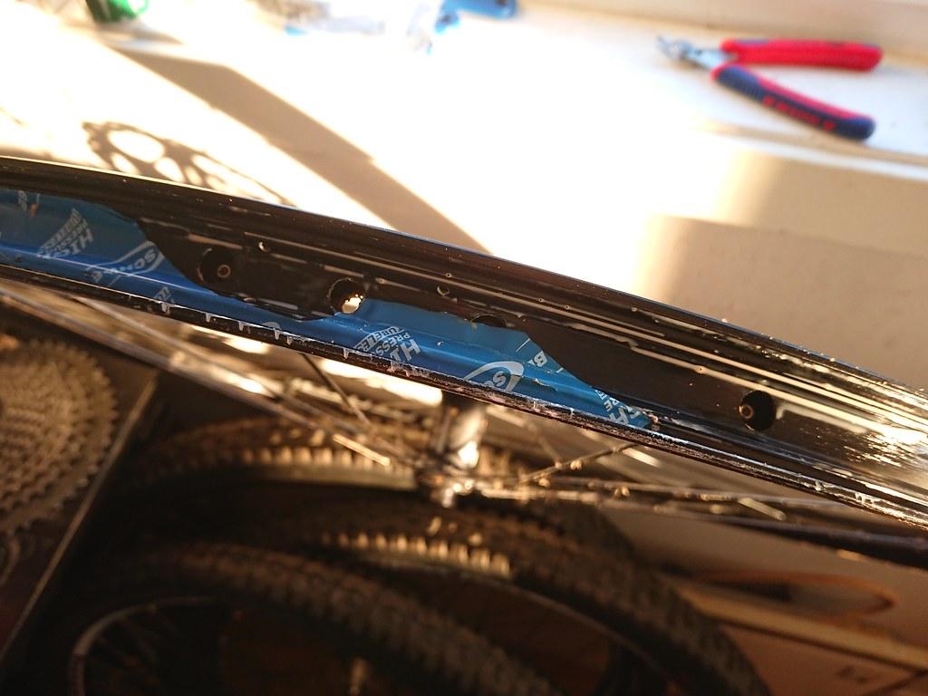 Schwalbe rim tape removal_3716