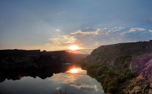 idaho hiking canyon landscape panorama sky blue morning clouds sun sunrise perrinebridge snakeriver reflection snakerivercanyon river water