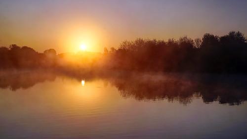 daisynook countrypark failsworth crimelake manchester misty still uk oldham reflection ripples