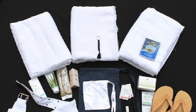 3670 10 Things you must carry with you to perform Hajj 01
