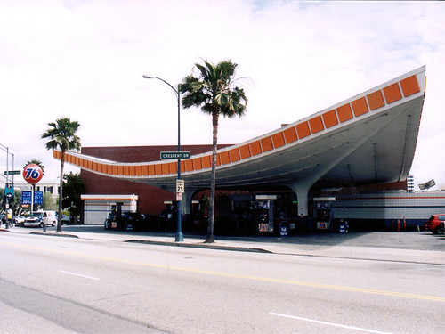 Endangered Luckman Pereira 76 Station in Beverly Hills   by richardschave