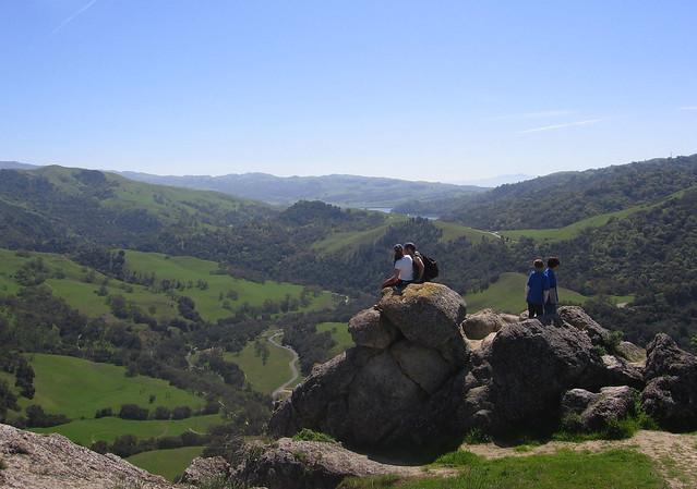Plentiful rocks at Flag Hill
