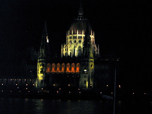 Budapest at Night - Parliament House | by elsua