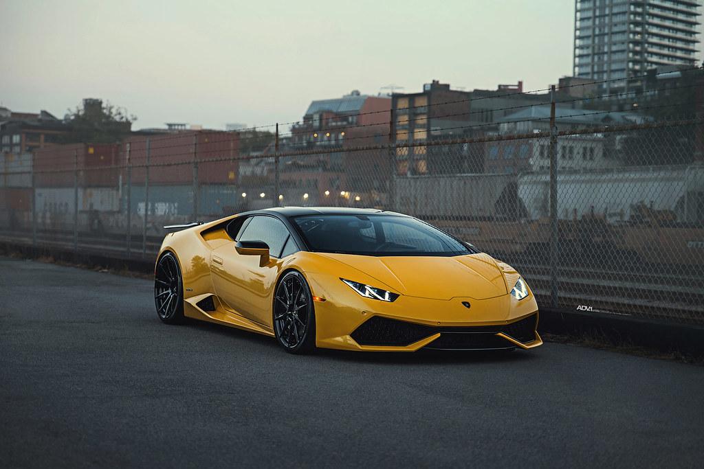 Yellow Lamborghini Huracan LP610,4 , ADV.1 ADV10 M.V2 CS S