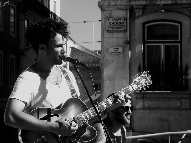 Chiado street musicians