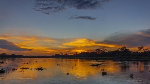 paisaje sol cielo rojizo nube atardecer puestadelsol anochecer río agua reflejo santacruzdemompox mompox bolívar colombia canon eos 5d markiv ef1635mmf4lisusm josémarboledac