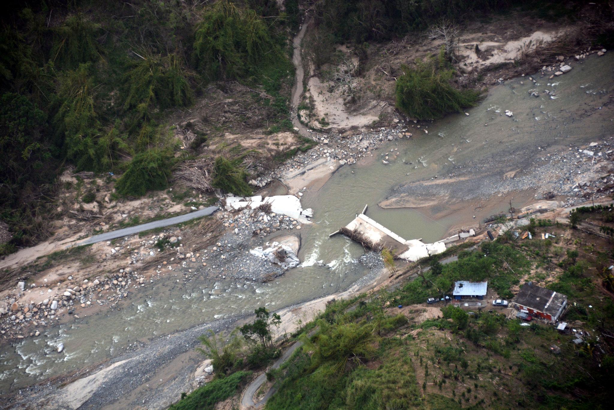 Puente Paso Palma Utuado Rio Caonillas destruido 18Oct17