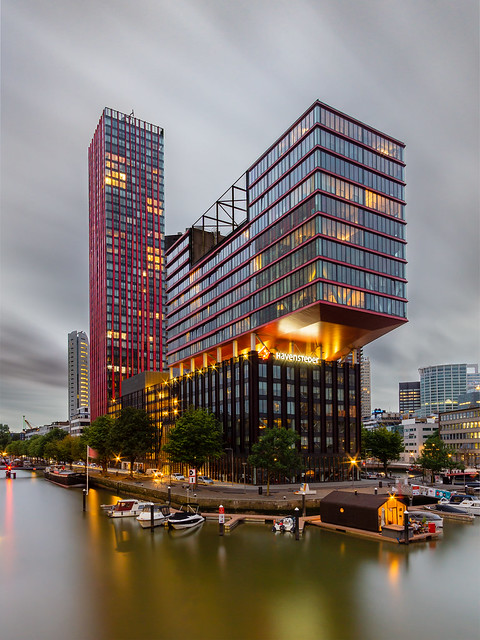 Long exposure at the Red Apple Rotterdam