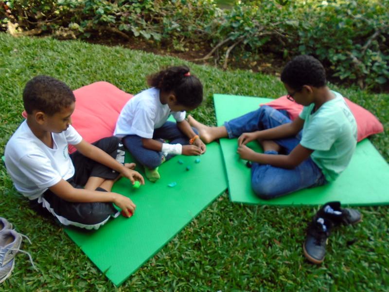 Companheirismo e confiança (cantinho e atividades) (2)