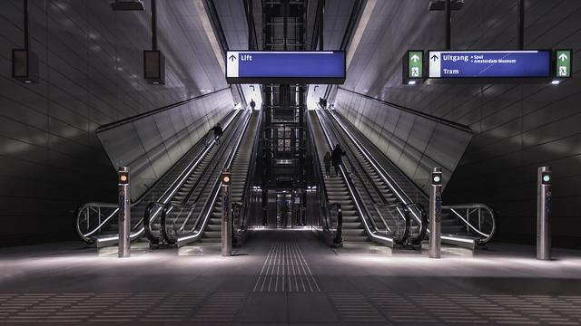 Noord/Zuidlijn station Rokin (Spui entrance)