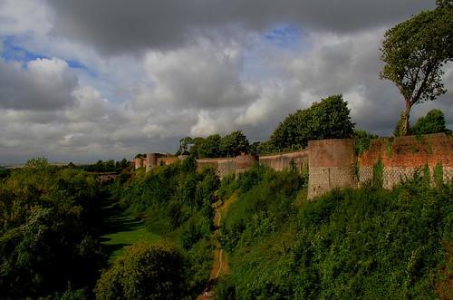france hautsdefrance pasdecalais montreuilsurmer canon eos 7d efs 18200 rempart fortification vauban mur nuage paysage