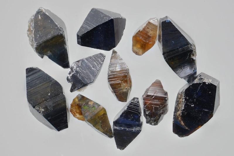 鋭錐石 / Anatase