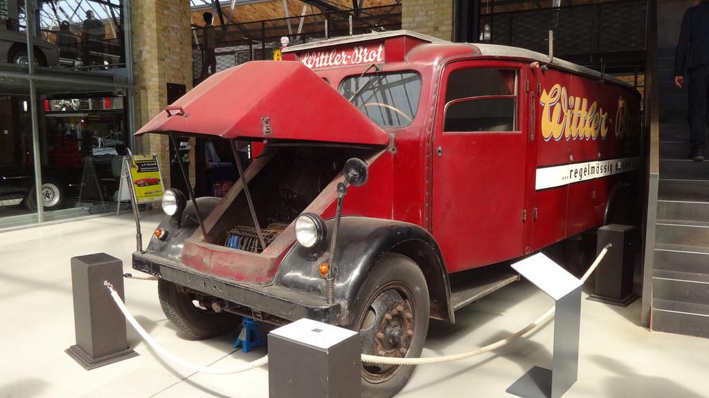 1943 elektrischer Brotausliererungswagen der Fa. Wittler-Brot von Maschinenfabrik Esslingen Classic-Remise Wiebestraße 59/Sickingenstraße 59-61 in 10553 Berlin-Moabit