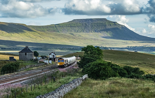 ingleborough gbrf 66716 6s00 railfreight blea moor settle carlisle yorkshire dales
