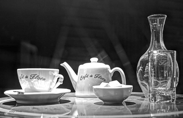 Café de Flore b&w