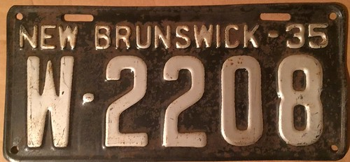 NEW BRUNSWICK 1935 ---LICENSE PLATE   by woody1778a