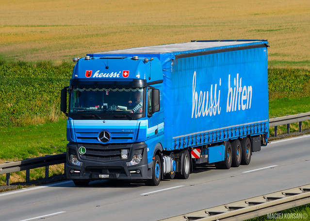 Mercedes-Benz Actros MP4 GigaSpace / Heussi (CH)