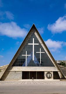 Se catedral de nossa senhora de Fatima aka cathedral of our lady of Fatima, Benguela Province, Benguela, Angola | by Eric Lafforgue