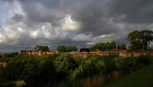 france hautsdefrance pasdecalais montreuilsurmer canon eos 7d efs 18200 rempart fortification mur nuage paysage
