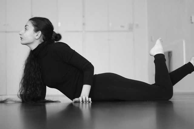 Shabnam, photography art kunst model , actress actrice toneelactrice  theateractrice , dancer danseres , performer , theater  toneel student  poses for Paul Rens Jacobse, Amsterdam, Nederland , Holland , Netherlands , Europa / Europe 2017 November 10