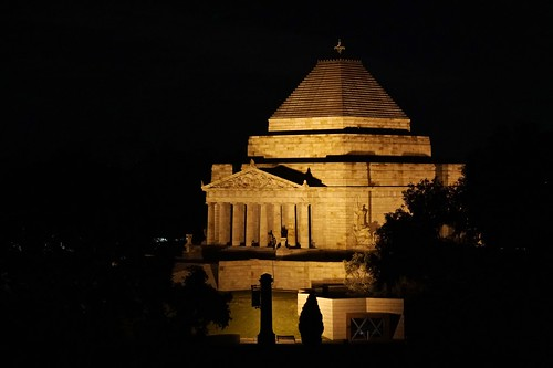 Shrine of Remembrance by night | by Joe Lewit
