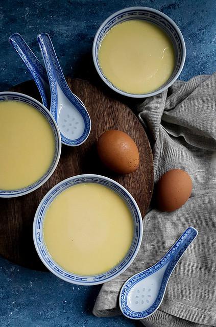 Steamed egg pudding 香滑炖蛋