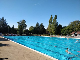 Last day of 2018 season at Guildford Lido after a blazing summer!
