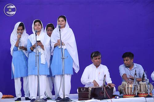 Devotional song by Bal Sangat, Rethal