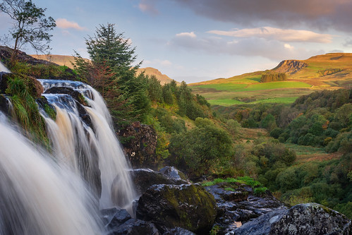 loupoffintry waterfall sunrise goldenhour riverendrick fintry carronvalley stirling scotland nikond7200 sigma350mmf14