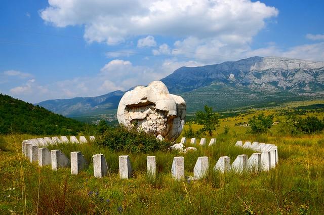 monument to frozen Partizans, Suhopolje/Knin Croatia