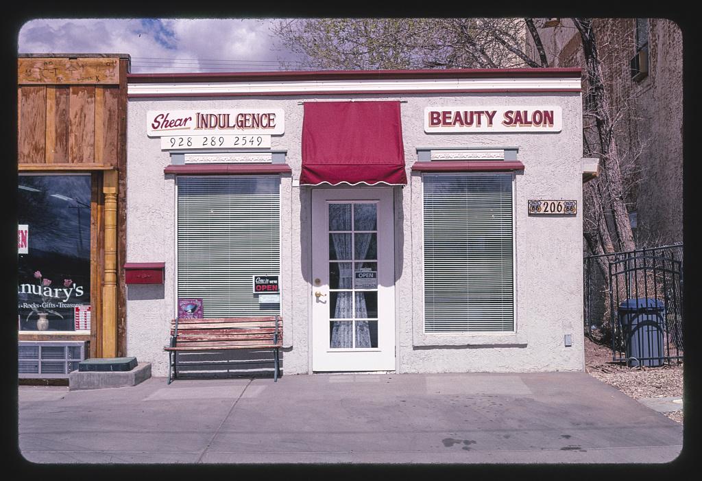 Shear Indulgence Beauty Salon, Route 66, Winslow, Arizona (LOC)