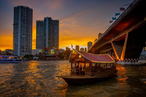 thailand2018 bangkok bangkokmetropolitanregion thailand th hotelboat chaophrayariver sunset