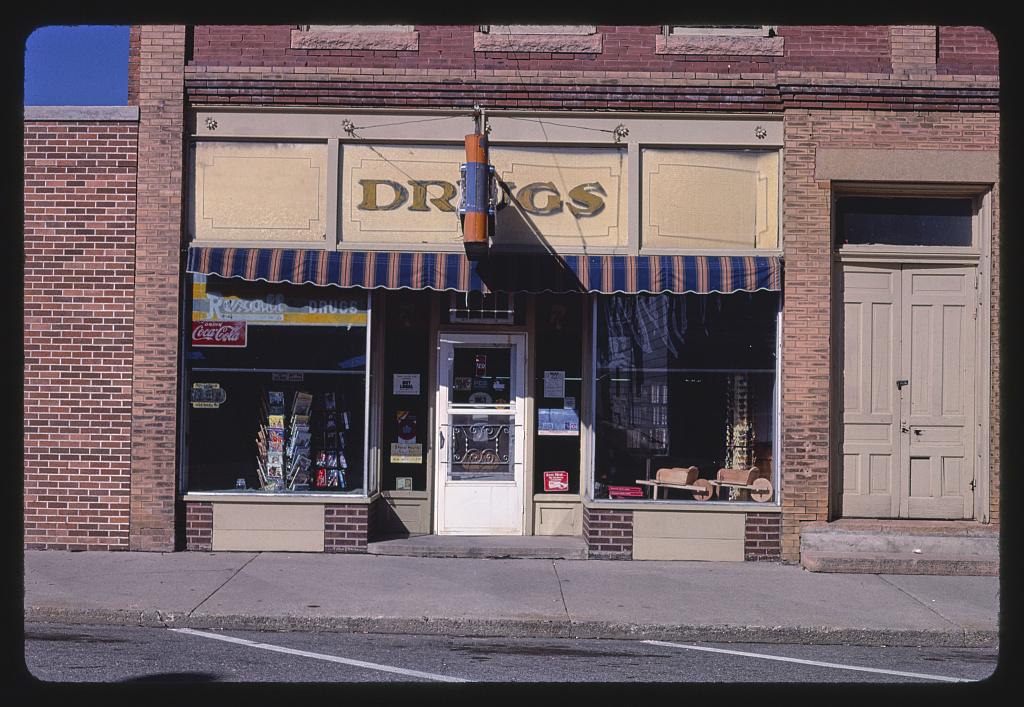 Hornsbruch Drug Store, Aurelia, Iowa (LOC)