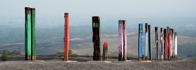 Halde Haniel -  Totems vom baskischen Maler und Bildhauer Agustín Ibarrola